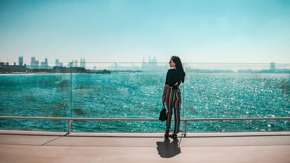 Planning to Live or Work in Dubai? Read This Pros and Cons Before It's Too Late!